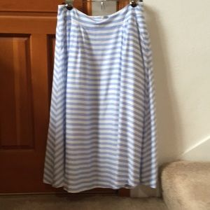 JOA Midi swing skirt with tulle lining